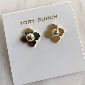 New Tory Burch pearl logo stuck earrings